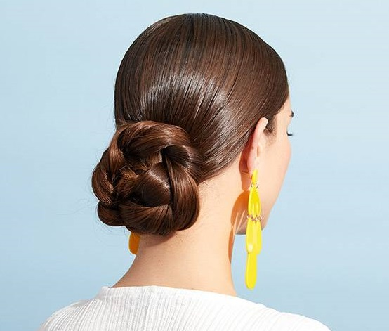 Easy hairstyles for new moms